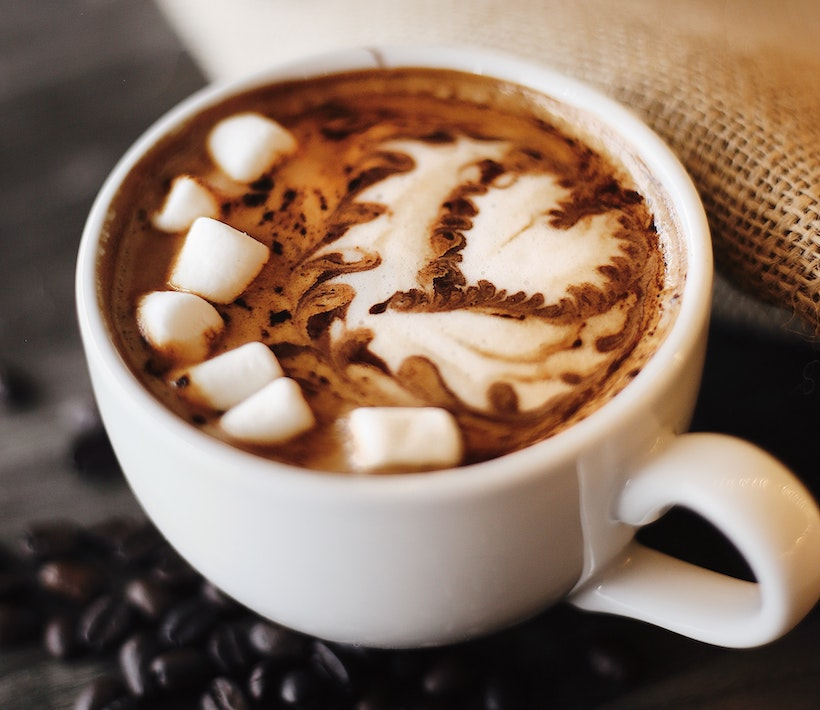 Hot chocolate with milk and marshmallows